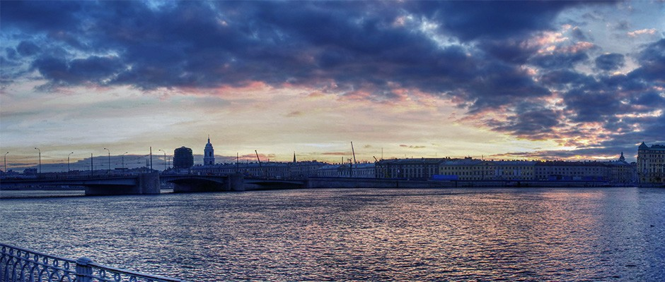 Панорама-набережной-Макарова